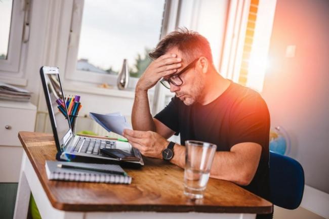 المخاوف والمشاكل المالية وعلاقتها بالنوبات القلبية