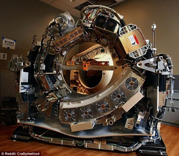 نظرة مخيفة داخل أجهزة التصوير المقطعي المستخدمة في المستشفيات (صور + فيديو