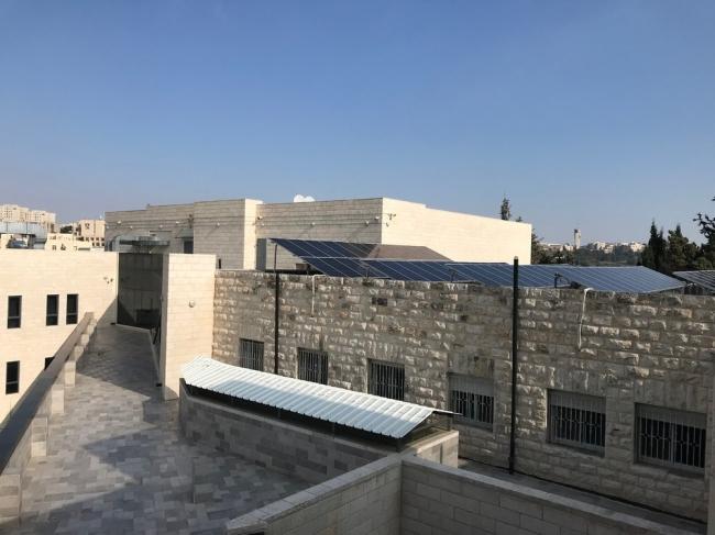 توليد الكهرباء بالطاقة الشمسية في القدس، مشاريع واعدة تنقصها المساحات