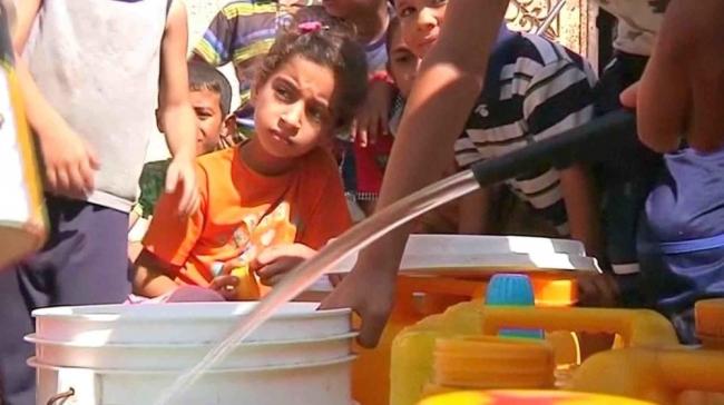 المياه المالحة تفتك بحياة سكان غزة ولا حلول في الأفق!!