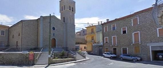 """اشترِ بيتاً في قرية إيطالية بـ""""دولار واحد"""" فقط! إن كنت عازماً فتعالَ لنعرِّفك على بلدتك المستقبلية الساحرة وجيرانك الجدد"""
