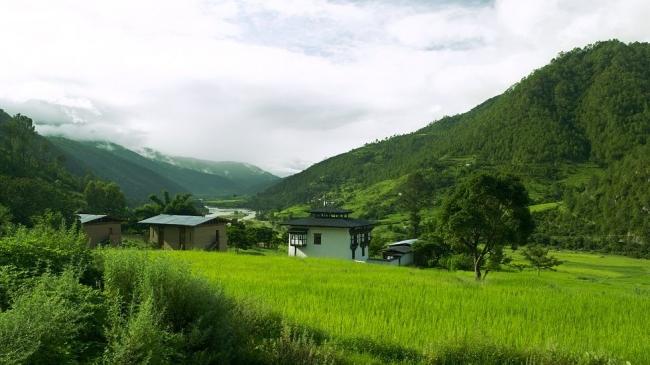 """بالصور  """"Amankora"""".. سحر الإقامة في أعلى جبال الهيملايا بمملكة بوتان"""