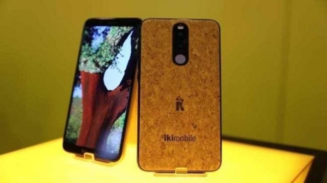 هاتف ذكي جديد مصنوع من الفلين!