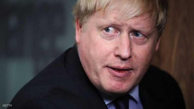 وزير خارجية بريطانيا يتكلم 18 دقيقة مع وزير مزيف
