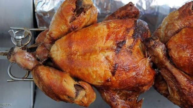 """لماذا نأكل الدجاج؟ فوائد غريبة لـ""""الوجبة المفضلة"""""""