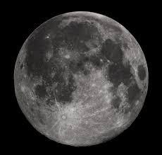 العلماء يكتشفون وجود الماء تحت سطح القمر