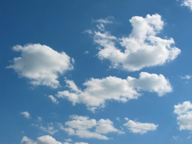 لماذا الغيوم لونها أبيض؟