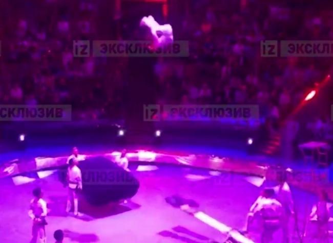 فيديو.. لاعب جمباز يحطّم عنقه بدلاً من تحقيق رقم قياسي!