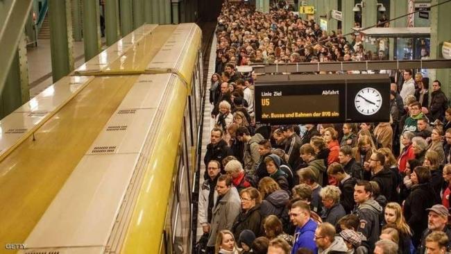 """ألمانيا تواجه """"التلوث البيئي"""" بمجانية المواصلات"""