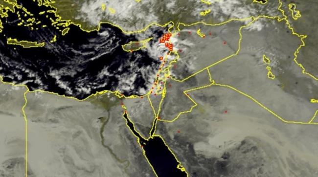 الأقمار الصناعية ترصد غيوم المنخفض الأول هذا الشتاء
