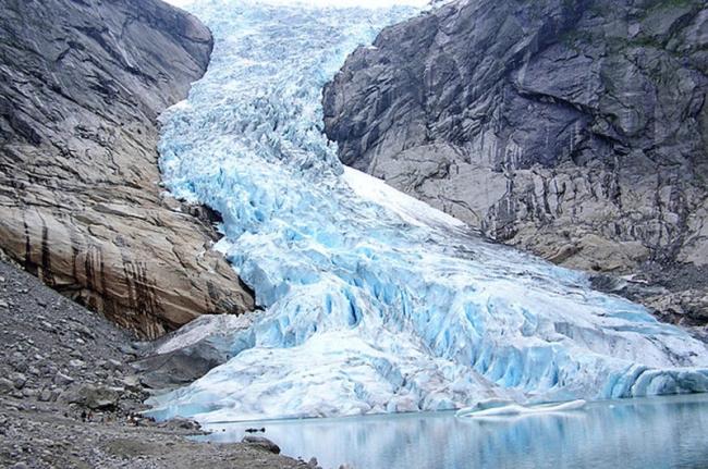 حجم الأنهار الجليدية في العالم أقل مما نتوقع