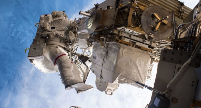 رواد الفضاء لا يستحمون...تعرف على أغرب 10 حقائق من حياتهم في منطقة انعدام الجاذبية