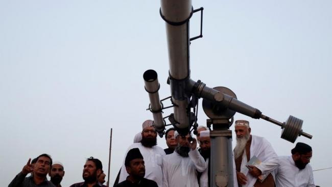 دول إسلامية تعلن الاثنين أول رمضان وأخرى تتحرى غدا