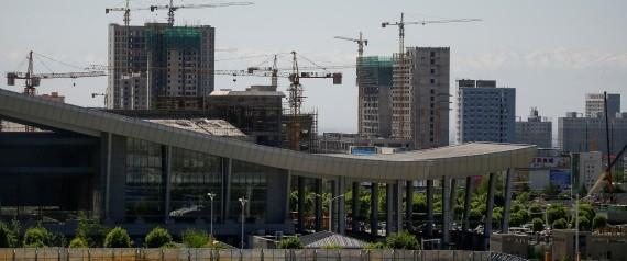 """دبي جديدة في صحراء كازاخستان.. تعرَّف على """"خورغوس"""" أكبر مركز تجاري بين الشرق والغرب"""