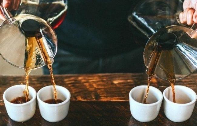 هذا هو أفضل وقت من اليوم لشرب القهوة والبقاء في حالة يقظة