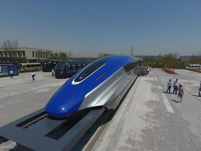 """الصين تتحدى نفسها والعالم.. قطار """"محلي"""" بسرعة """"أسطورية"""""""
