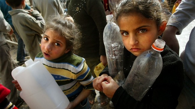 """""""عجبت لمن لا يجد الماء في بيته... كيف لا يخرج على الاحتلال شاهرا سيفه!"""""""