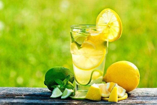 15 فائدة لعصير الليمون
