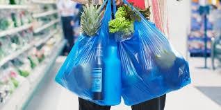 معلومات ستصدمك... أنت تتناول عشرات الآلاف من قطع البلاستيك كل عام وأنت لا تدري!
