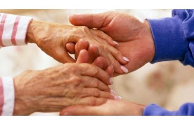 أربع علامات مبكرة قد تكشف عن مرض الشلل الرعاش