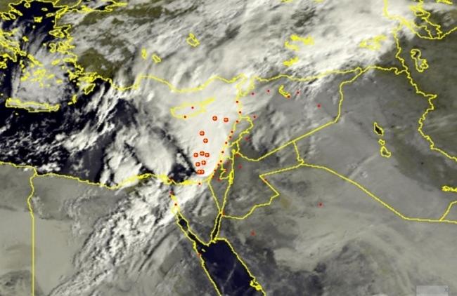صور الأقمار الصناعية تظهر سحابة عملاقة قبالة سواحل شرق المتوسط | 25/10/2015