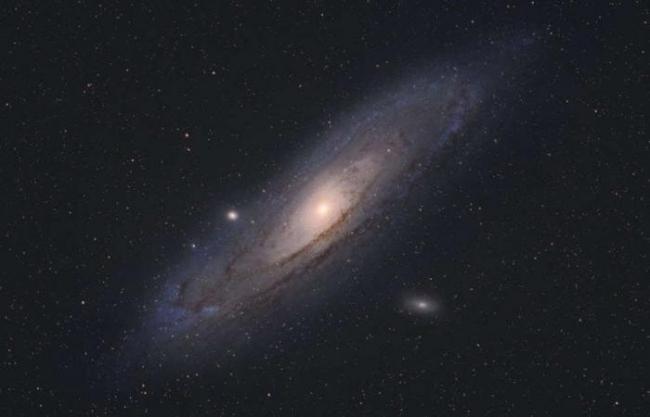 اكتشاف مفاجئ يظهر أننا مخطئون تمامًا في تقدير حجم مجرة أندروميدا