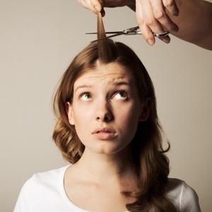 لماذا يبقى الشعر الذي يظهر على أيدينا قصيرًا بينما ينمو الشعر على الرأس ليصبح طويلًا؟