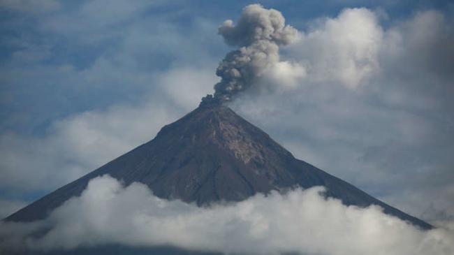 """الانفجارات البركانية المدمرة تهدد بـ """"انقراض جماعي"""""""
