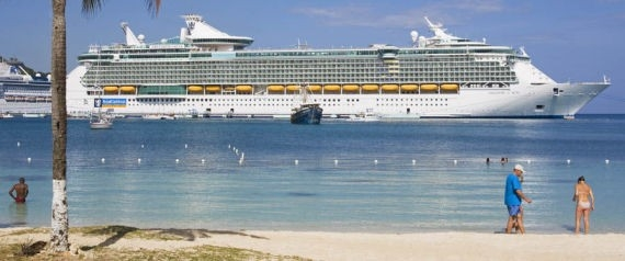 قبطان يترك مسافراً فرنسياً بجزيرة في المحيط الهندي.. والسائح المطرود سعيد بالعقوبة!