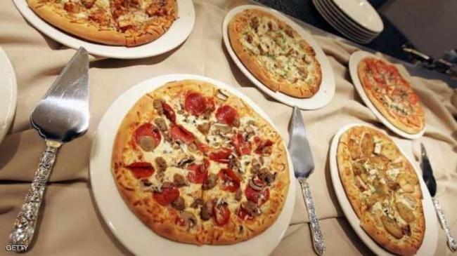 """أشهر سلسلة للبيتزا تفاجئ عملائها بـ""""قرار صحي"""""""