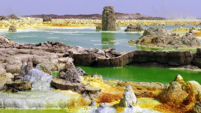تلك الأحواض الإثيوبية الحارة تنعدم فيها الحياة