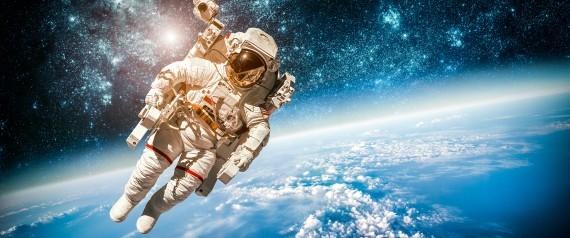البزة وحدها تُكلف 2 مليون دولار واختبارها بـ500 ألف.. كم تتوقع ثمن تذكرة رحلة إلى الفضاء؟