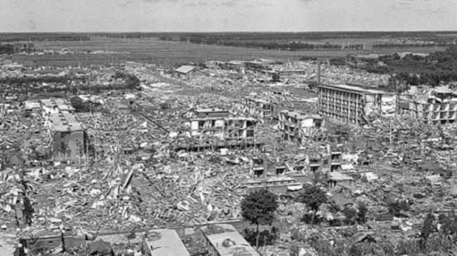 قصة أسوأ زلزال في التاريخ.. نصف مليون قتيل وسماء حمراء