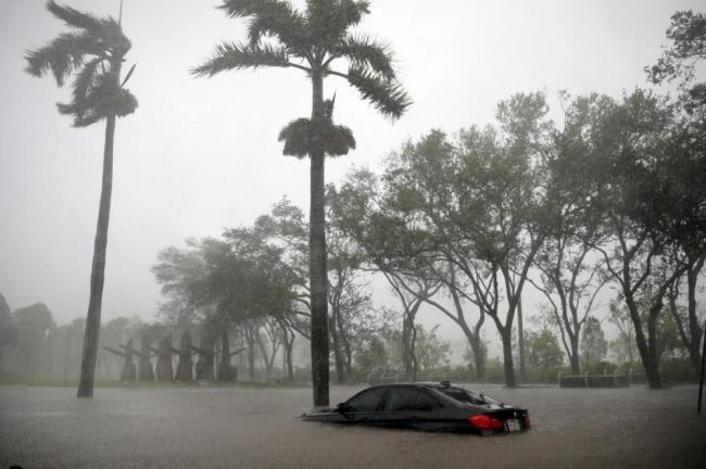 عاجل : آخر تطورات الإعصار المدمر إرما