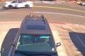 لصوص يسحلون سيدة نحو 100 قدم لسرقة حقيبتها! كاميرا مراقبة وثَّقت الحادث والشرطة تبدأ التحقيق ...