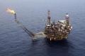 النفط ينخفض بفعل زيادة مفاجئة للمخزونات الأميركية