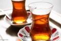 حسم الجدل حول أهمية تناول الشاي الساخن في الجو الحار