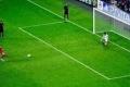 حارس فرنسي يتصدى لأغرب ركلة جزاء في تاريخ الكرة