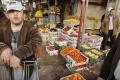 السيادة على الغذاء: الأرض لمن يفلحها ومزارعو الوطن يجب أن ينتجوا معظم الغذاء المُسْتَهْلَك محليا