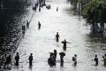 بانكوك تستعد لخوض معركة عنيفة وطويلة مع فيضانات غير مسبوقة