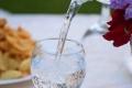 ما كمية الماء التي يجب شربها في اليوم لضمان الفوائد الصحية؟