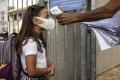 """""""إسرائيل"""" تعلن موعد إلغاء فرض الكمامة داخل الأماكن المغلقة"""