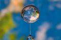 الكرة الارضية بداخل قطرة ماء شاهد الابداع