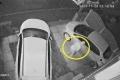 شاهد ماذا حدث لمجرم حاول إحراق سيارة... بالفيديو