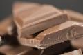 أيهما أفضل.. الشوكولاتة الداكنة أم بالحليب؟