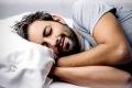 الضحك أثناء النوم ما هو سبب ضحك الناس في نومهم ؟