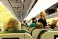 """شاهد ماذا فعل طياران بعد اشتباه بوجود مصابين بـ""""كورونا"""" داخل الطائرة... فيديو"""