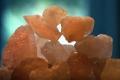 شاهد بالفيديو لأول مرة كيف تتكون بلورات الملح من جزيئاته