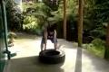 بالفيديو: طرق غريبة لبناء العضلات ..بدون الذهاب للنادي !