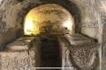 """7 قبور وجمجمة الكلب.. والمسجد لا يزال قائماً! جولة داخل مرقد """"أهل الكهف"""" (صور)"""